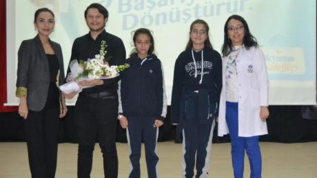 Adana Okyanus Kolejinde Gelecekte Bir Gün Meslekte İlk Gün Projesi İkinci aşaması 'Velilerimiz Sahnede' Devam Ediyor