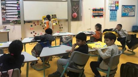 """2-E Sınıfı Öğrencileri """"Araştırıyorum Öğreniyorum'' Etkinliğinde"""