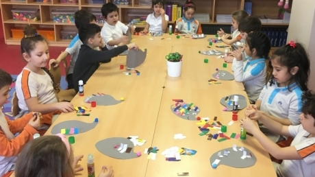 Çekmeköy Okyanus Koleji Gökkuşağı Grubu Öğrencileri Sanat Etkinliğinde Kirpi Yapıyor