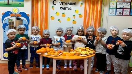 Güneşli Okyanus Koleji Okul Öncesi C Grubu Öğrencileri C Vitamini Partisinde