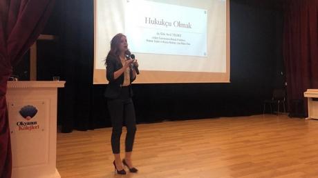 İncek Okyanus Koleji Hukuk Kariyer Kulübü öğrencilerinin Kariyer Konuşmaları