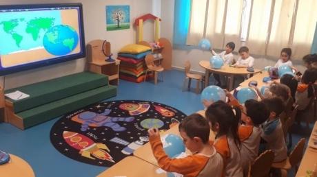 Mavişehir Okyanus Koleji Okul Öncesi Balıklar Grubu Fastrackids Dersinde