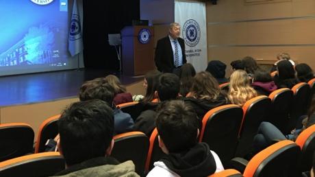Tıp ve Sağlık Kariyer Kulübü Öğrencileri Aydın Üniversitesi Tıp Fakültesinde